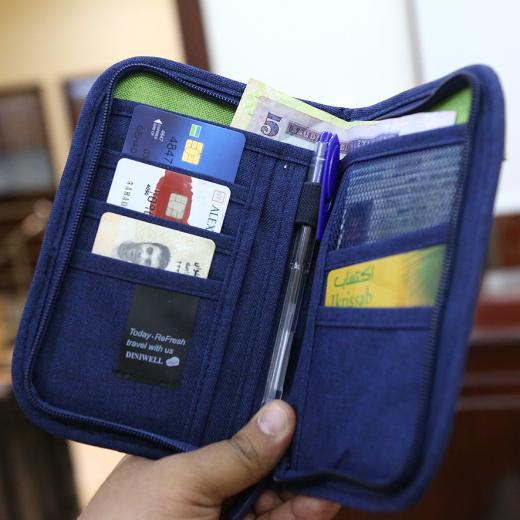 منظمات سفر واغراض شخصية ماركة ديني وييل