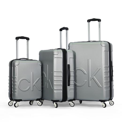 طقم حقائب سفر تروللي ماركة كالفن كلاين العالمية